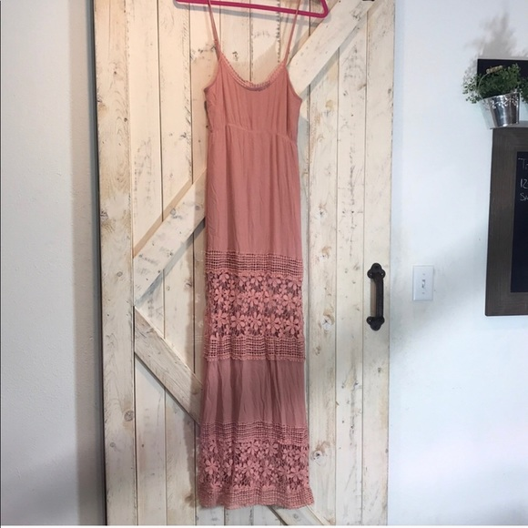 Tobi Dresses & Skirts - Tobi Mauve Maxi Dress Crochet